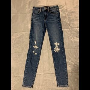 American Eagle Distressed Jeans!